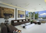 7-Villa Roxo - Living area and stunning artworks